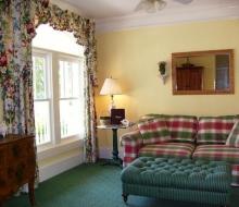 Suite-101-Sitting-Room