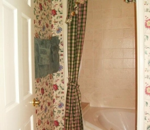 Suite-103-Bathroom