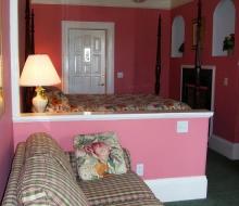 Suite-103-Sitting-Area