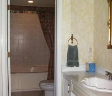 Suite-203-Bathroom