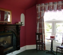 Suite-302-Sitting-Room